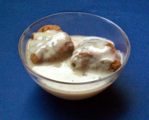 vegane Buchteln mit Vanille-Sauce - mehlspeisen