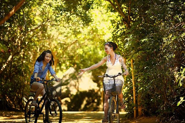 bersepeda bersama teman