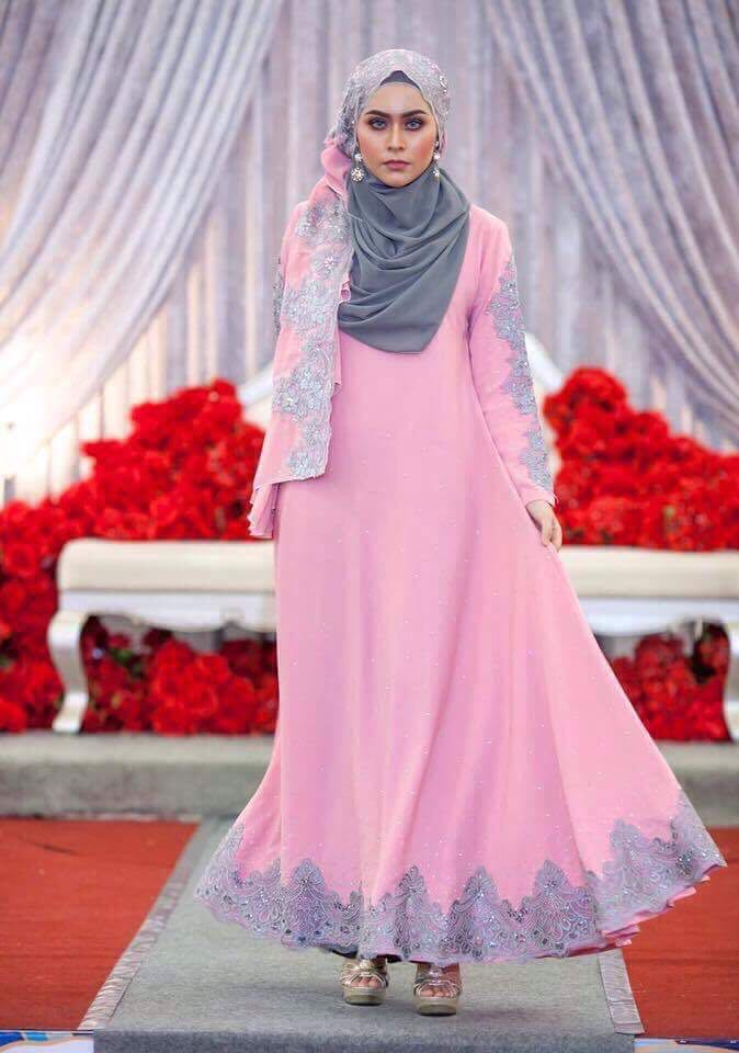 Dress Abaya Glam Warna Pink Belacean Lace Kelabu