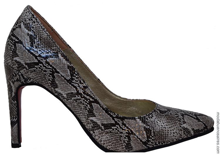Zapatos primavera verano 2020. Moda mujer zapatos animal print.
