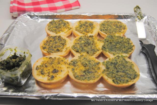 Italian Pesto Sliders at Miz Helen's Country Cottage
