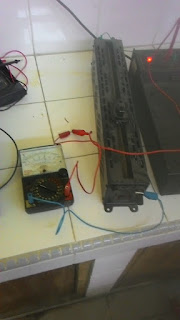 mengukur arus listrik menggunakan multitester analog