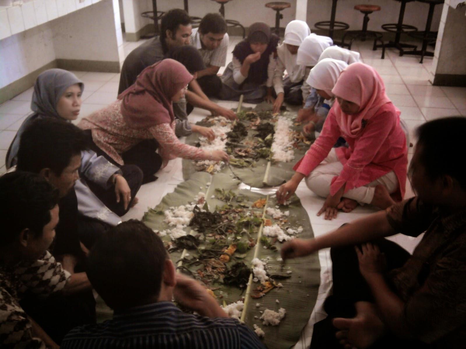 Fakta Unik - 9 Keunikkan yang Hanya Ada di Indonesia