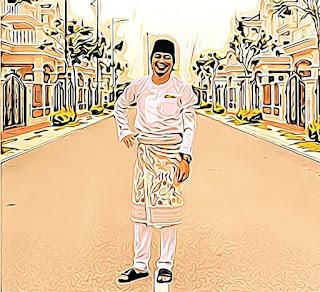 Ada lagi tak yang beraya hari ni pakai baju Melayu lengkap bersampin