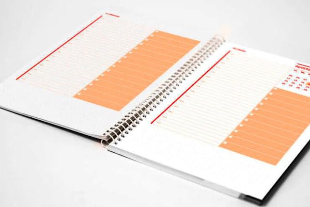 Mockup de agenda diaria planner para imprimir gratis (Vista Previa)