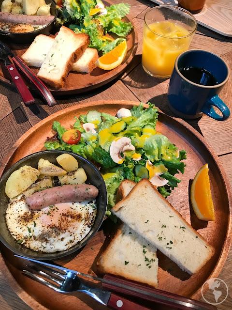 Café da manhã no hostel em Tóquio