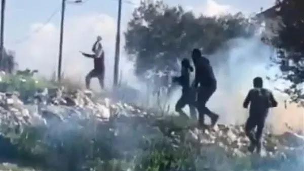 فلسطينيون يسقطون طائرة مسيرة إسرائيلية باستخدام الحجارة
