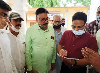 पत्रकार की हत्या के विरोध में जौनपुर प्रेस क्लब ने सौंपा ज्ञापन
