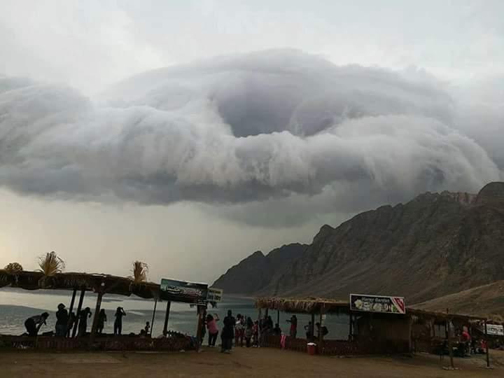 """لارصاد الجوية وحقيقة ظهور سحابة """" سوبر سيل """" المدمرة بمصر  وحالة الطقس الايام القادمة"""