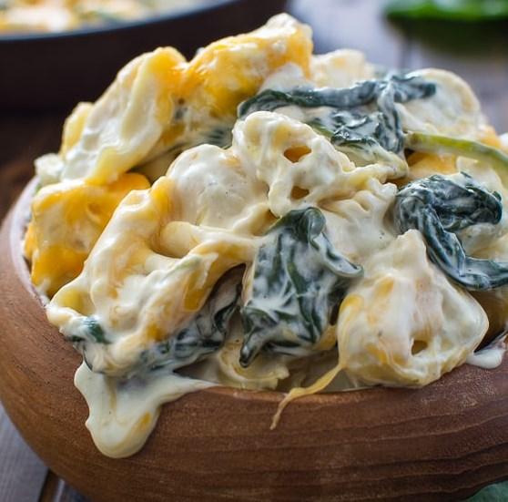 CREAMY SPINACH TORTELLINI #vegetarian #dinner