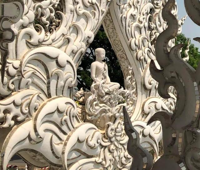 Wat Rong Khun - Templo Branco (White Temple) - Tailândia