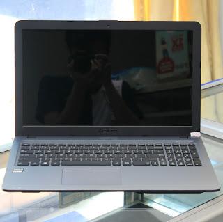 Laptop ASUS X540Y ( 15.6-Inchi ) di Malang