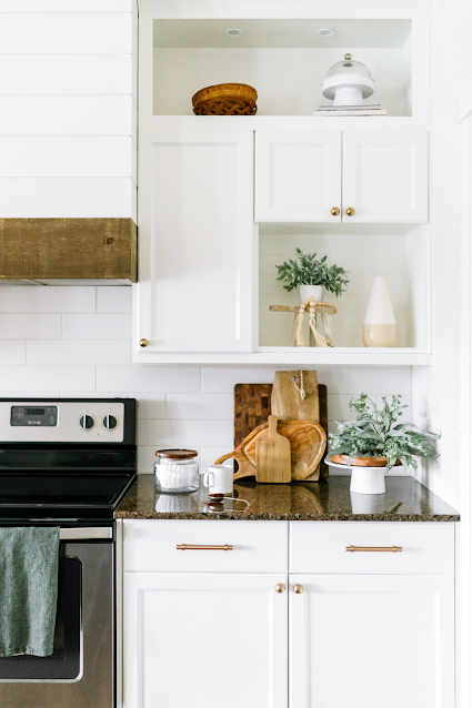 White Farmhouse Country Kitchen