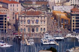 El Ayuntamiento visto desde Notre-Dame de la Garde.