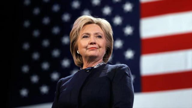 FBI revela: Clinton dejó notas clasificadas en un hotel en Rusia
