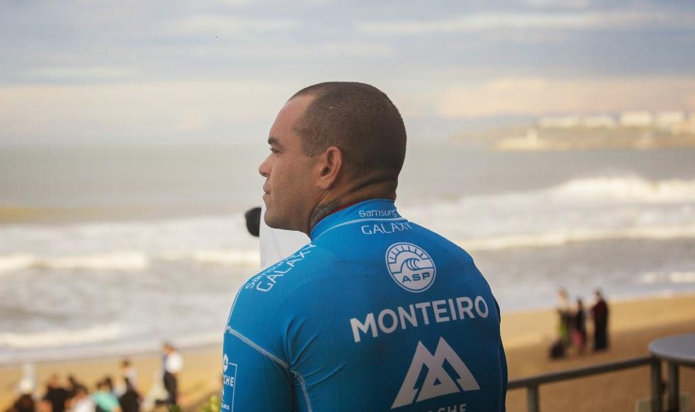 73 2014 Moche Rip Curl Pro Portugal Raoni Monteiro Foto ASP Damien Poullenot Aquashot