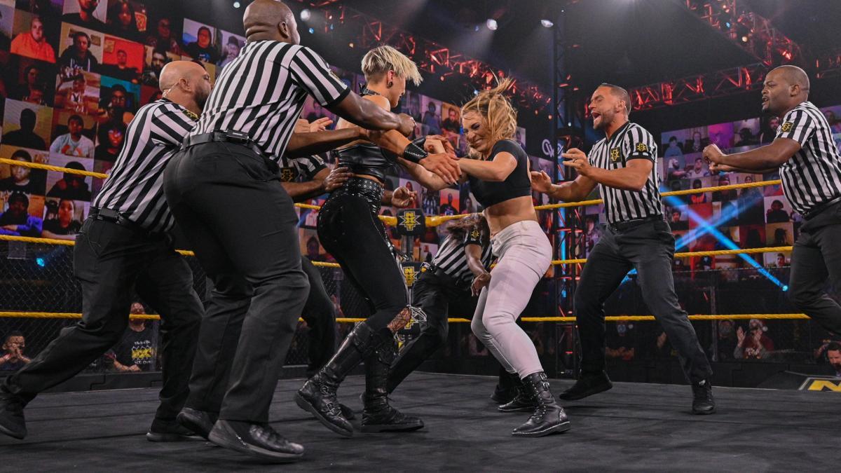 "Raquel Gonzales e Rhea Ripley protagonizam grande ""brawl"" no WWE NXT"