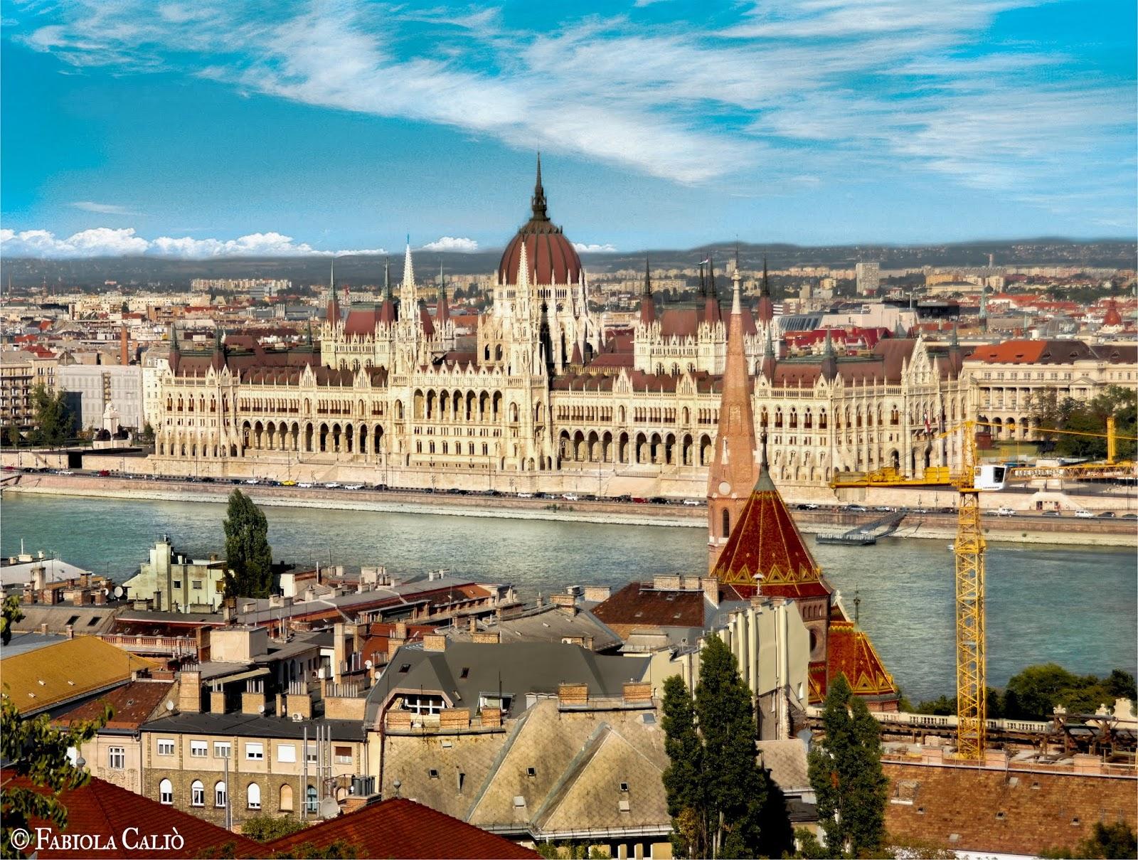 Budapest Il Parlamento dalla collina di Buda