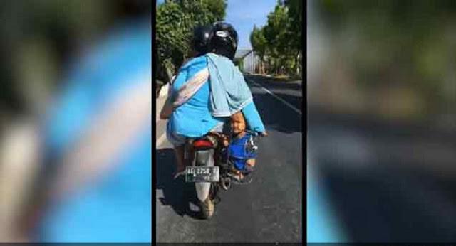 Viral : Emak - Emak ke Pasar Sambil Keranjangi Anak di Motor