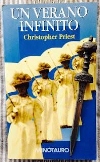 Portada del libro Un verano infinito, de Christopher Priest