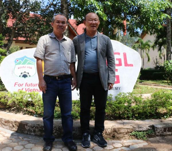HLV Park Hang Seo sẽ giúp ĐTVN vượt mặt Thái Lan?