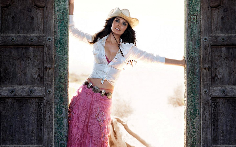 World Celebrity Image Singers Shania Twain Hot Photos-6040