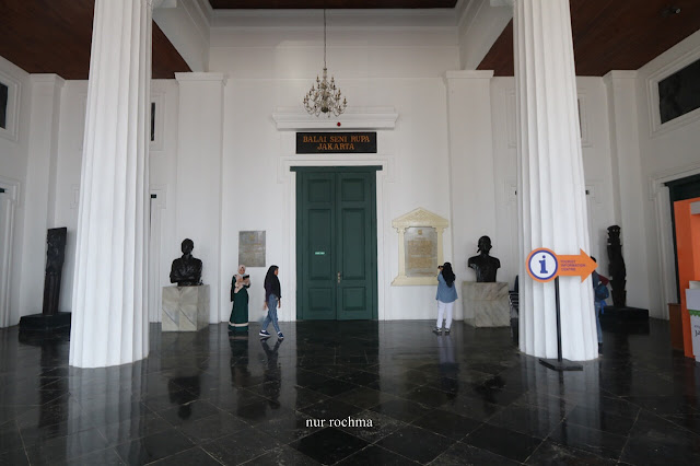 koleksi museum seni rupa dan keramik jakarta