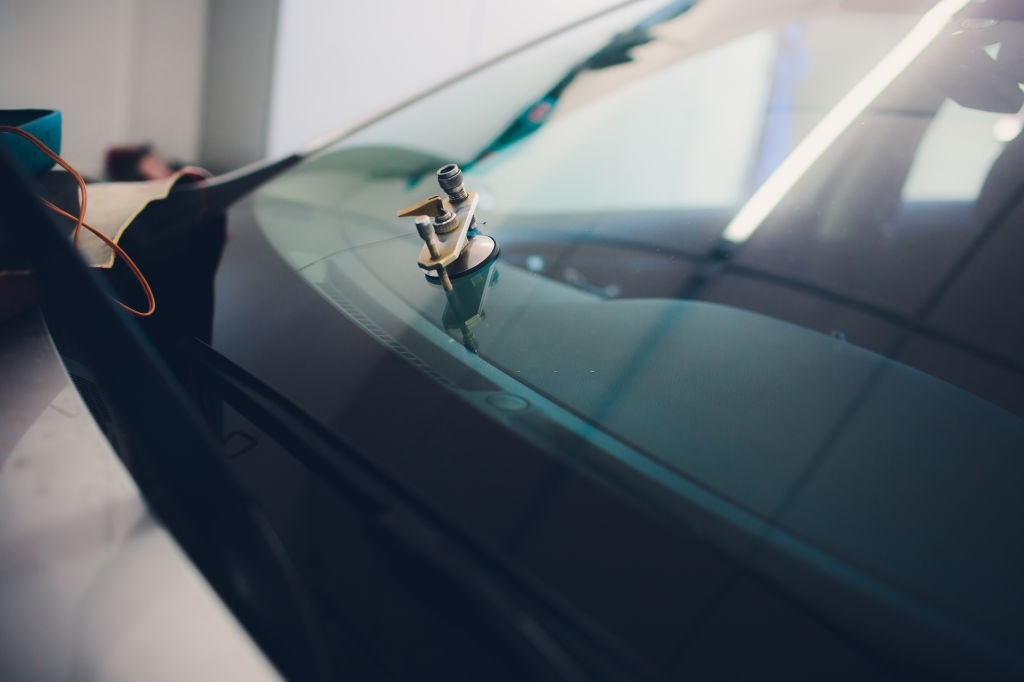 Solana Windscreens Offers Affordable Rear Window Replacement Services