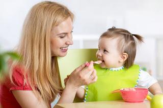 Bebeklerde Ek Gıdaya Geçiş Rehberi