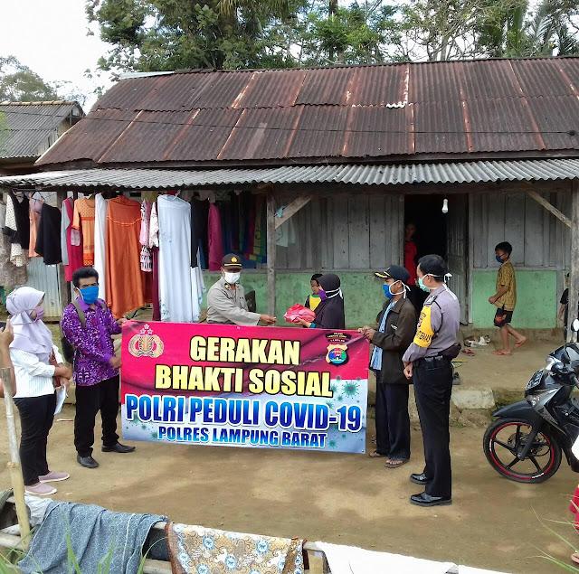 Peduli Pandemi Covid-19 Polda Lampung melaksanakan kegiatan Bhakti Sosial tahap ke II