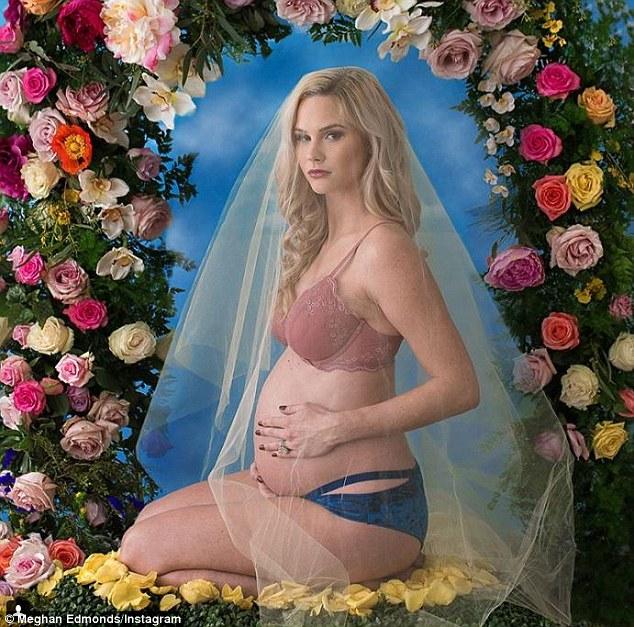 Meghan-King-Edmonds-recreates-Beyonces-pregnancy-shoot-1