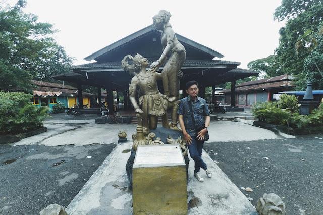 Patung Wayang Orang Taman Sriwedari Solo