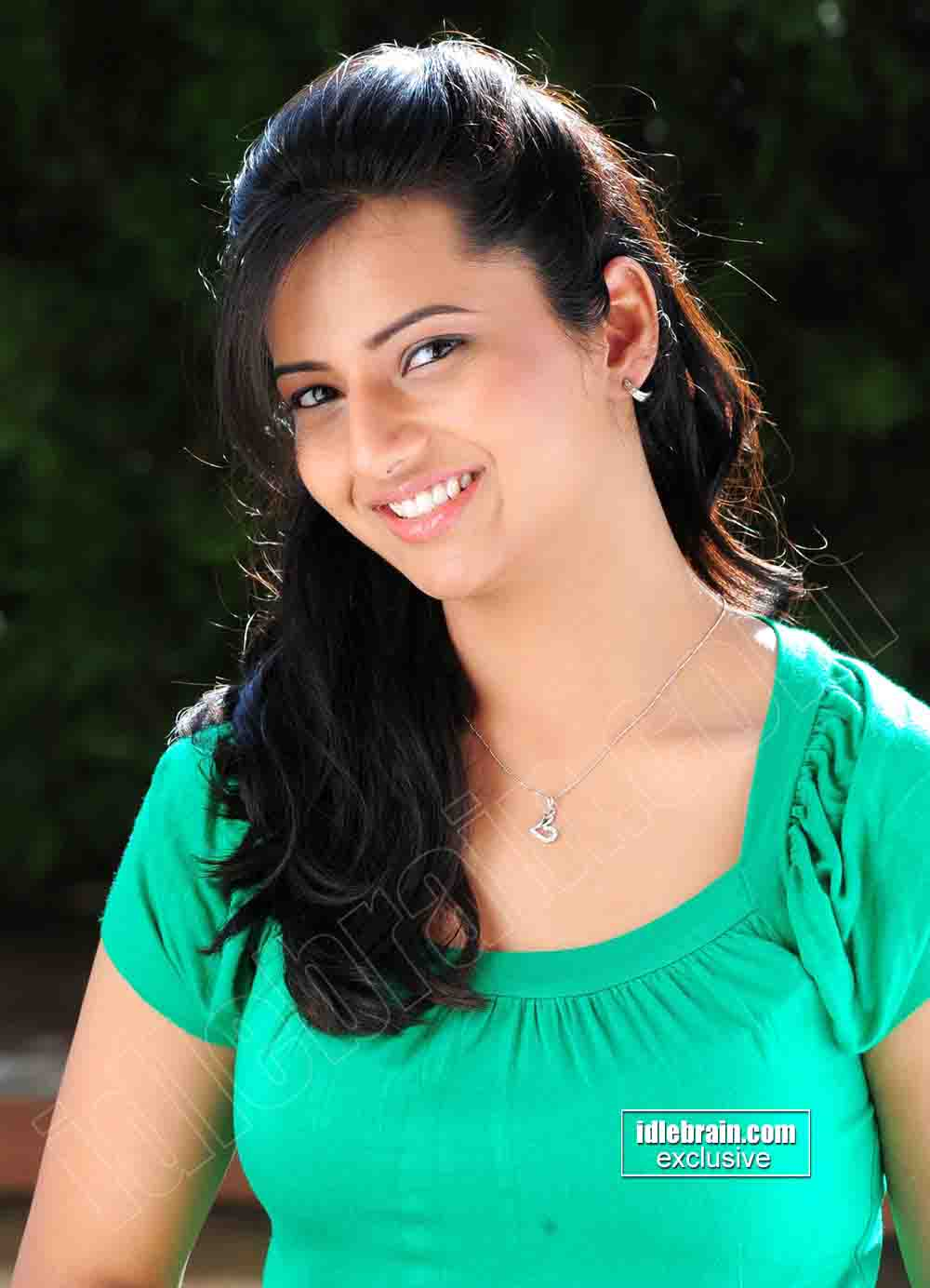 HD WALLPAPERS: CUTE ACTRESS FACE HD WALLPAPERS