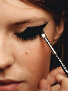 WHISPER blog: GRAPHIC #linhasgeométricas #graphic #edit #make #makeup #backstage #cateye