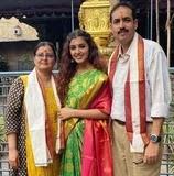 malvika sharma with her parents