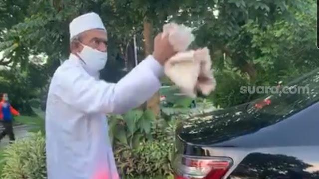 Satpol PP Minta Maaf ke Habib Umar Assegaf, Abu Janda Beri Sindiran Menohok