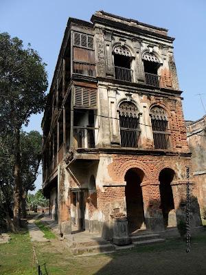 Baliati Jomidar Bari - Manikganj