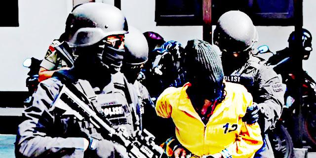 Lukas Enembe Apresiasi Densus 88 Anti Teror Tangkap 11 Terduga Teroris di Merauke