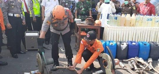 Polres Madiun Kota Musnahkan Ratusan Miras Arak Jowo