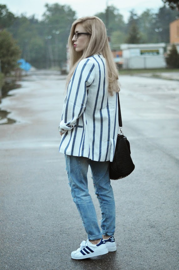 http://www.persunmall.com/p/bold-stripes-slim-blazer-with-one-button-p-17592.html?refer_id=3956