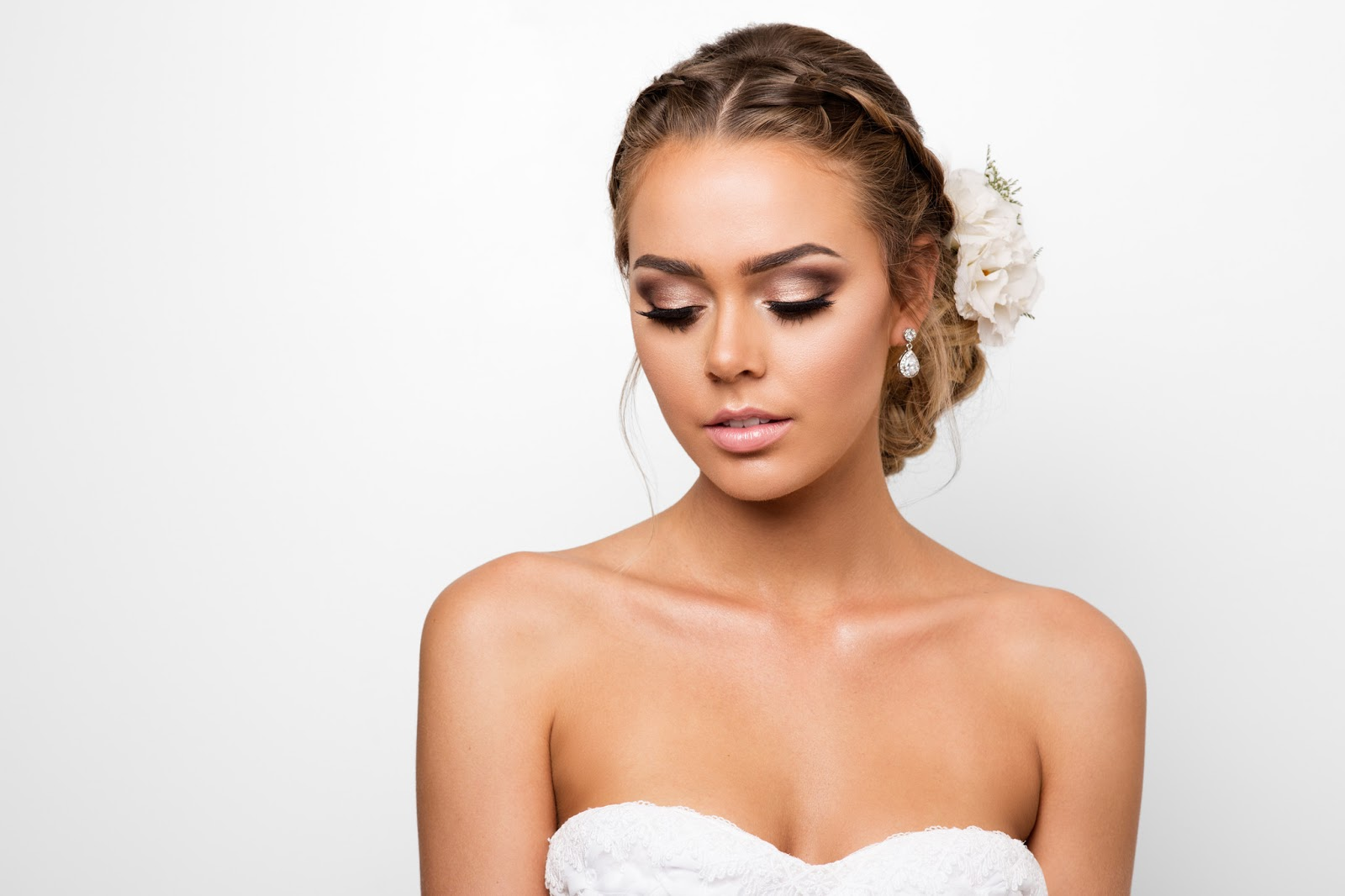 Q+A: BRIDAL MAKEUP + HAIRSTYLIST   AURUM BRIDE GOLD COAST QLD