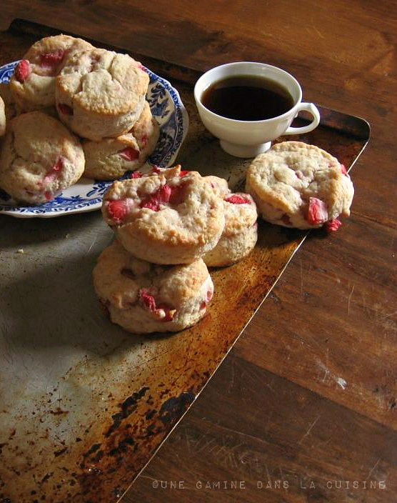Strawberries & Cream Biscuits |une gamine dans la cuisine