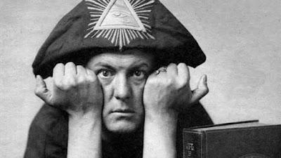 Aleister Crowley foi um dos maiores satanistas da historia