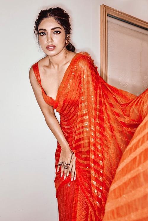 bhumi pednekar in orange saree sleeveless blouse bollywood actress