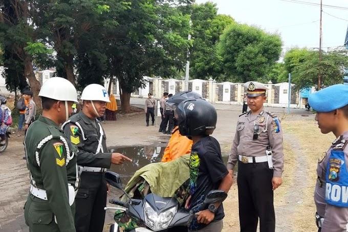 Pakai Jaket Resmi TNI Saat Razia, Pengendara Motor Ini Terima Ganjaran Nya