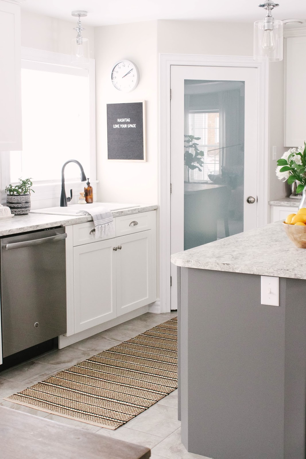 How To Paint Your Kitchen Island In Easy Steps House Of Hire - Who to hire to paint kitchen cabinets