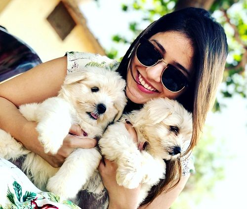 Priyanka Jawalkar Loves Dog