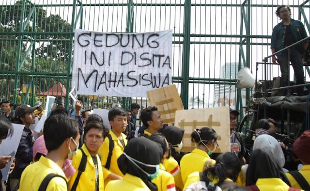 Mahasiswa Mulai Turun Jalan, Tolak RUU KUHP dan Pelemahan KPK