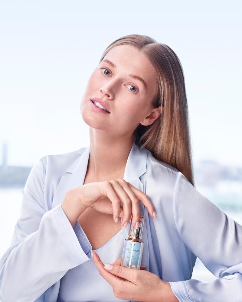 Toni Garrn Radiates in Clé de Peau Beauté 'Le Serum' Campaign