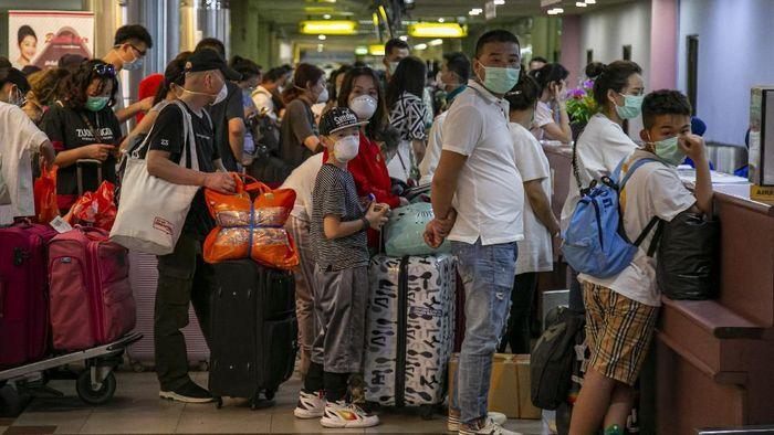 Kunjungan Turis China ke RI Naik 1,46% di Tengah Serbuan Corona